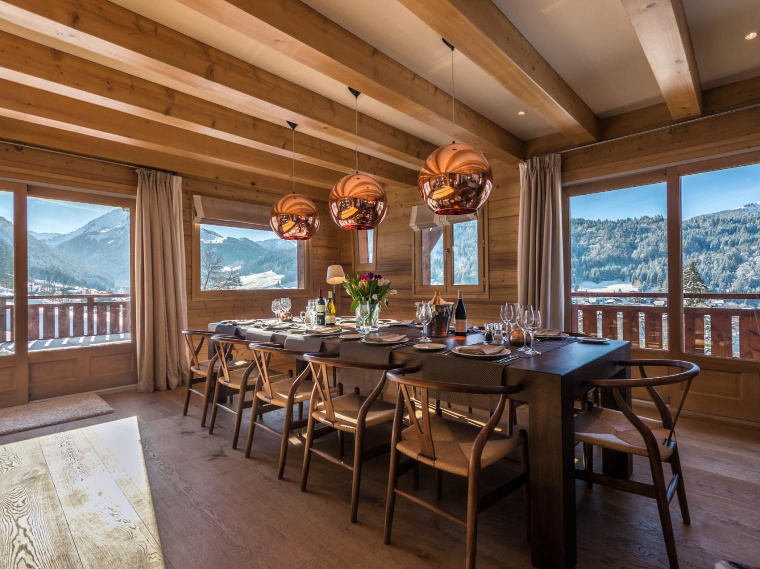 36 Of The World S Best Ski Chalets And Lodges To Visit Right Now In 2020 Chalet Beautiful Living Rooms European Home Decor