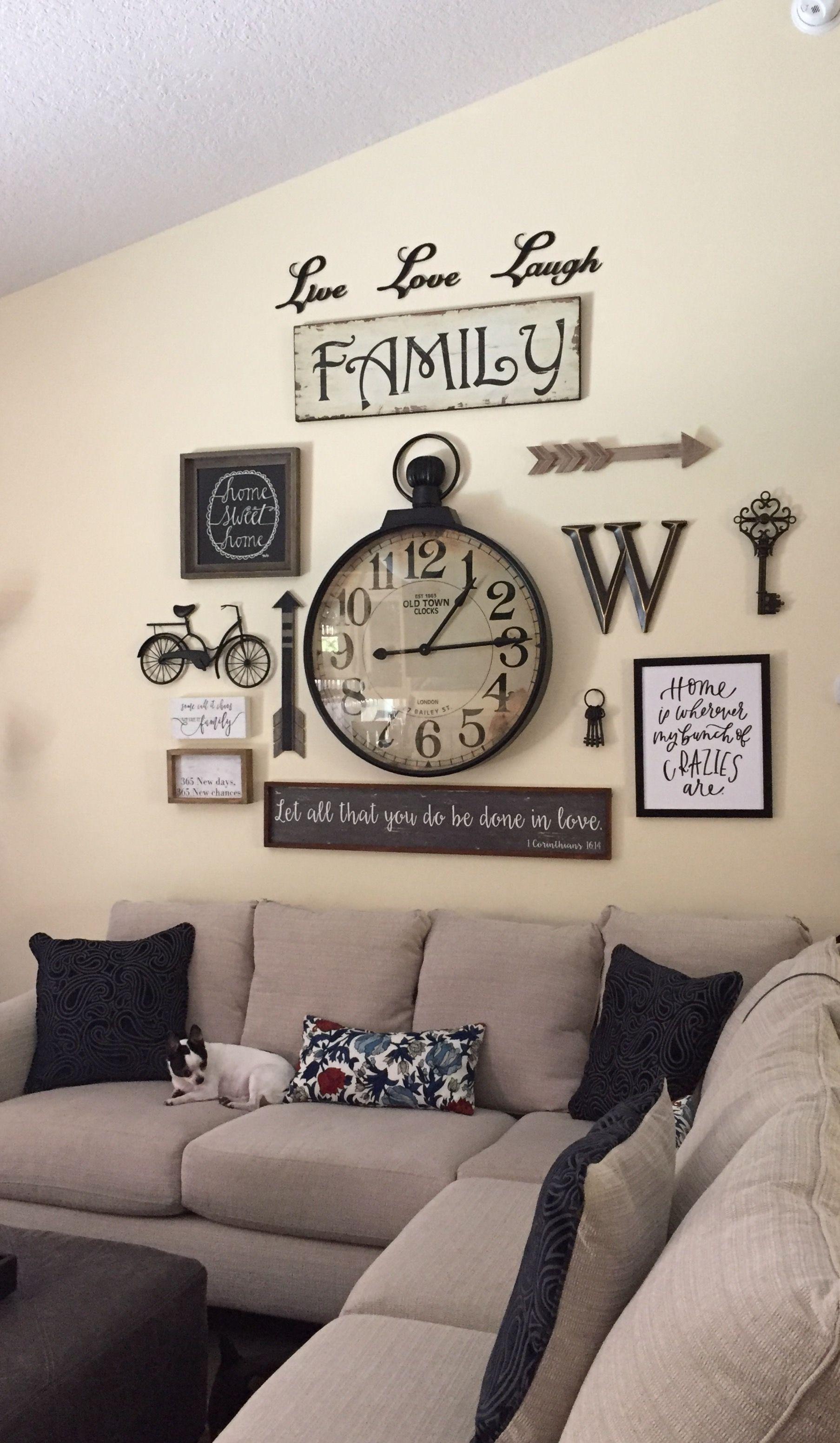 Hmm that clock looks familiar lol also farmhouse decor gallery wall decorationideas decoration ideas in rh pinterest