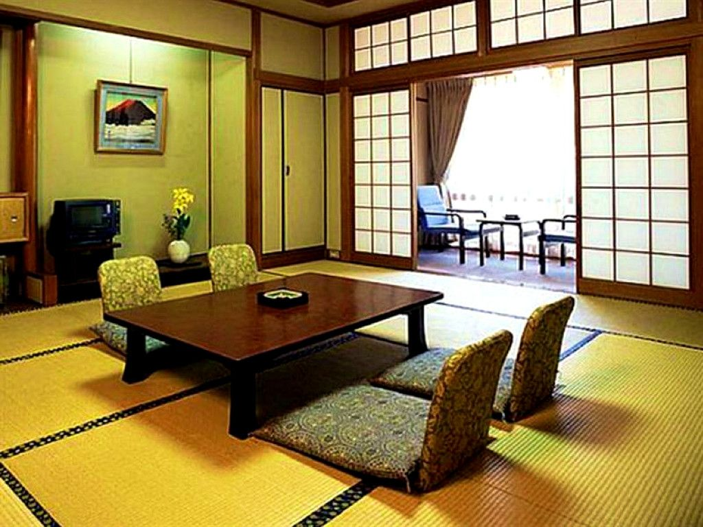Japanese Style Dining Table On Floor Japanese Floor Table And