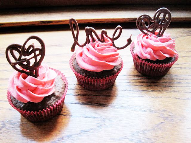 Chocolate Cupcake Decor Ideas : A few awesome Valentine s Ideas Kitchen, Desserts and Food