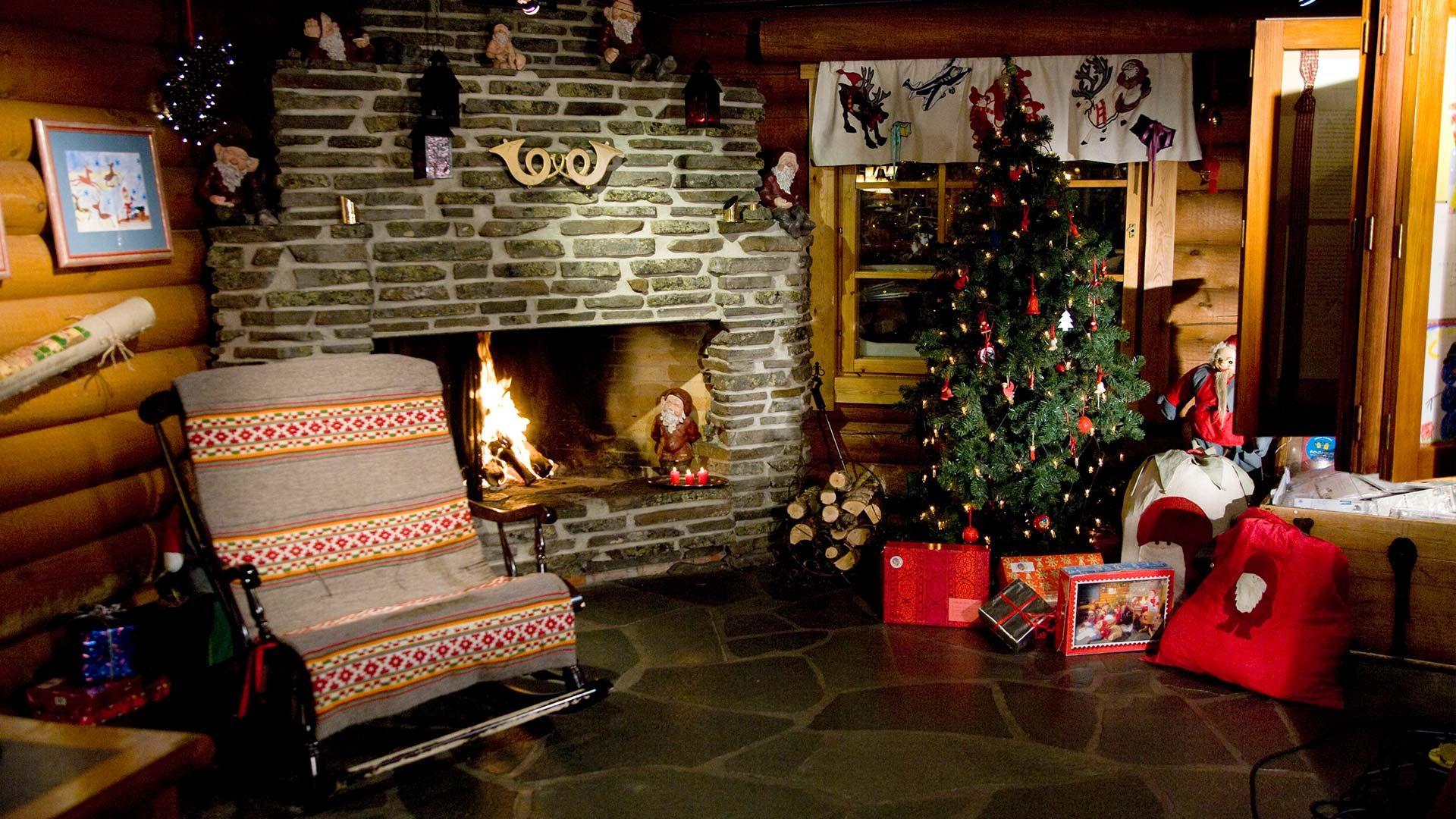 Living Room Santa Claus Village Holiday Wallpaper Christmas Scenes