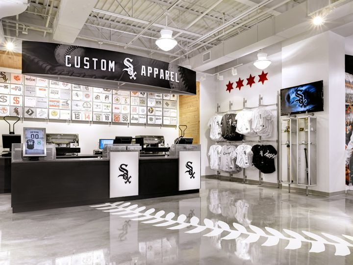 Chicago Sports Depot By Delaware North Store Design Custom Apparel Station