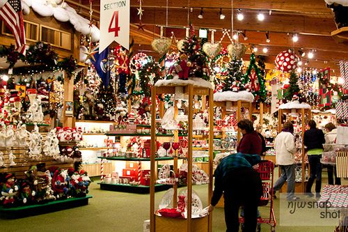 bronners christmas store frankenmuth mi the worlds largest christmas store i have ever seen opened year around - Worlds Largest Christmas Store
