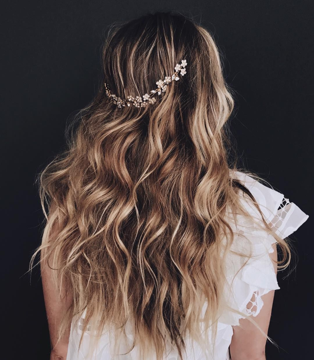 11 beautiful ways to wear bridal hair accessories in 2019