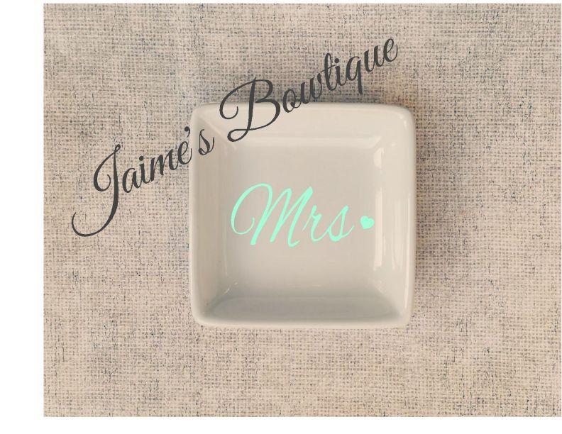 Adorable ring dish holder- Mrs., heart, wife, wedding, bridal, initial, monogram, custom - pinned by pin4etsy.com