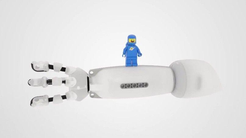 Científico desarrolla prótesis compatible con las piezas de LEGO