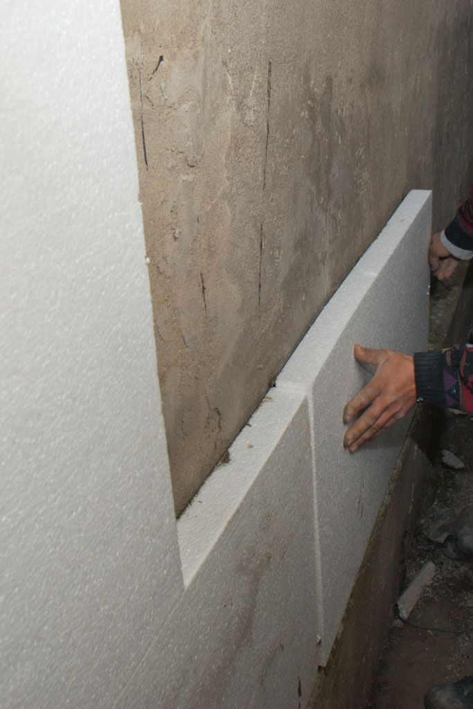 Installing polystyrene sheets insulation - for sunroom ceiling