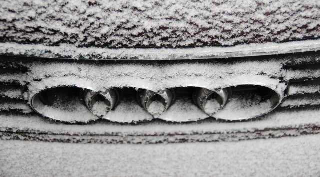 Snow and ice today: Audi rings in the snow