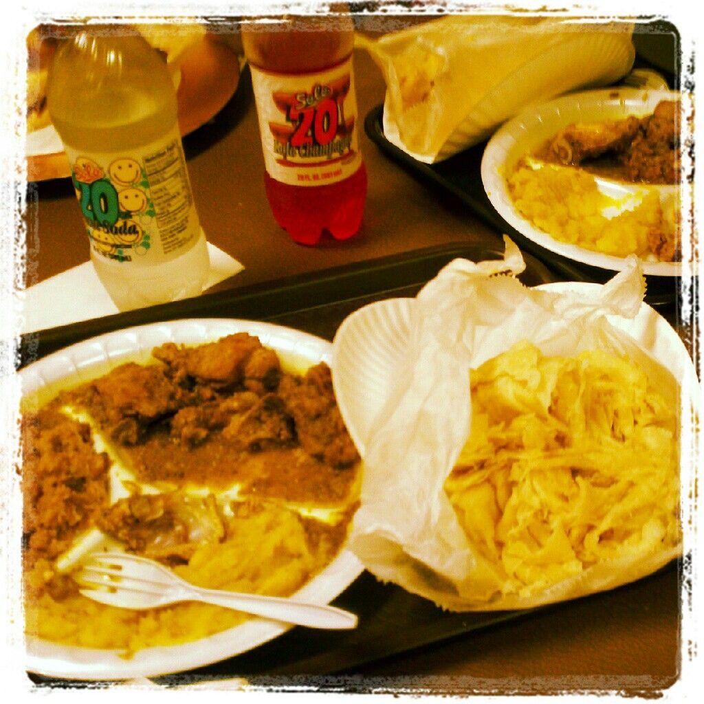 Trinidad roti an curry (With images)   Caribbean recipes. British food. Trinidad roti