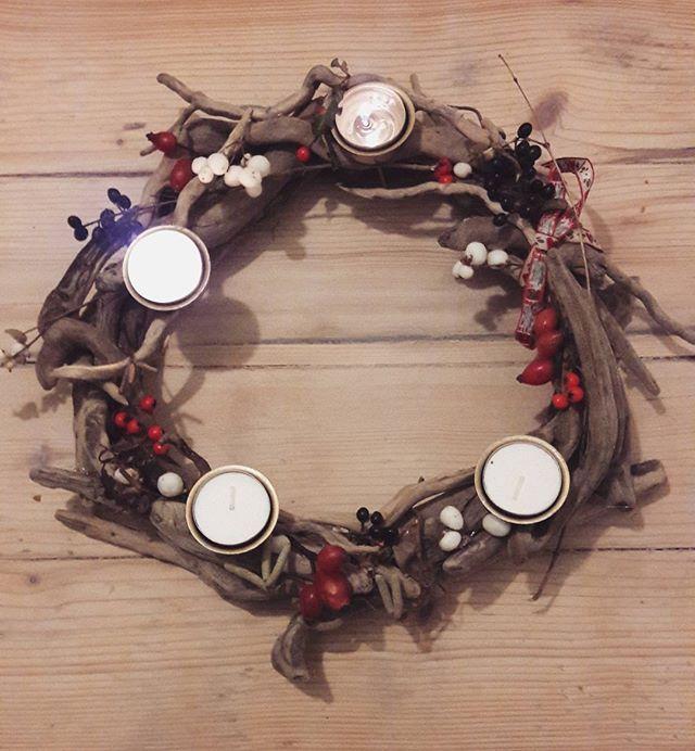 #advent #weihnachtlich #diy #adventskranz #treibholz #sammeln #natur #basteln #eigenewohnungschmücken #nurduundich #spannend