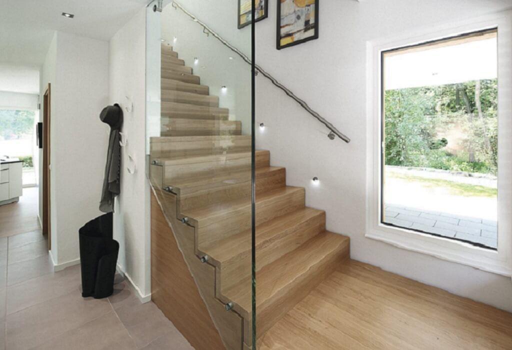 Treppenhaus architektur detail  Treppe Holz innen mit Beleuchtung und Glasgeländer - Architektur ...