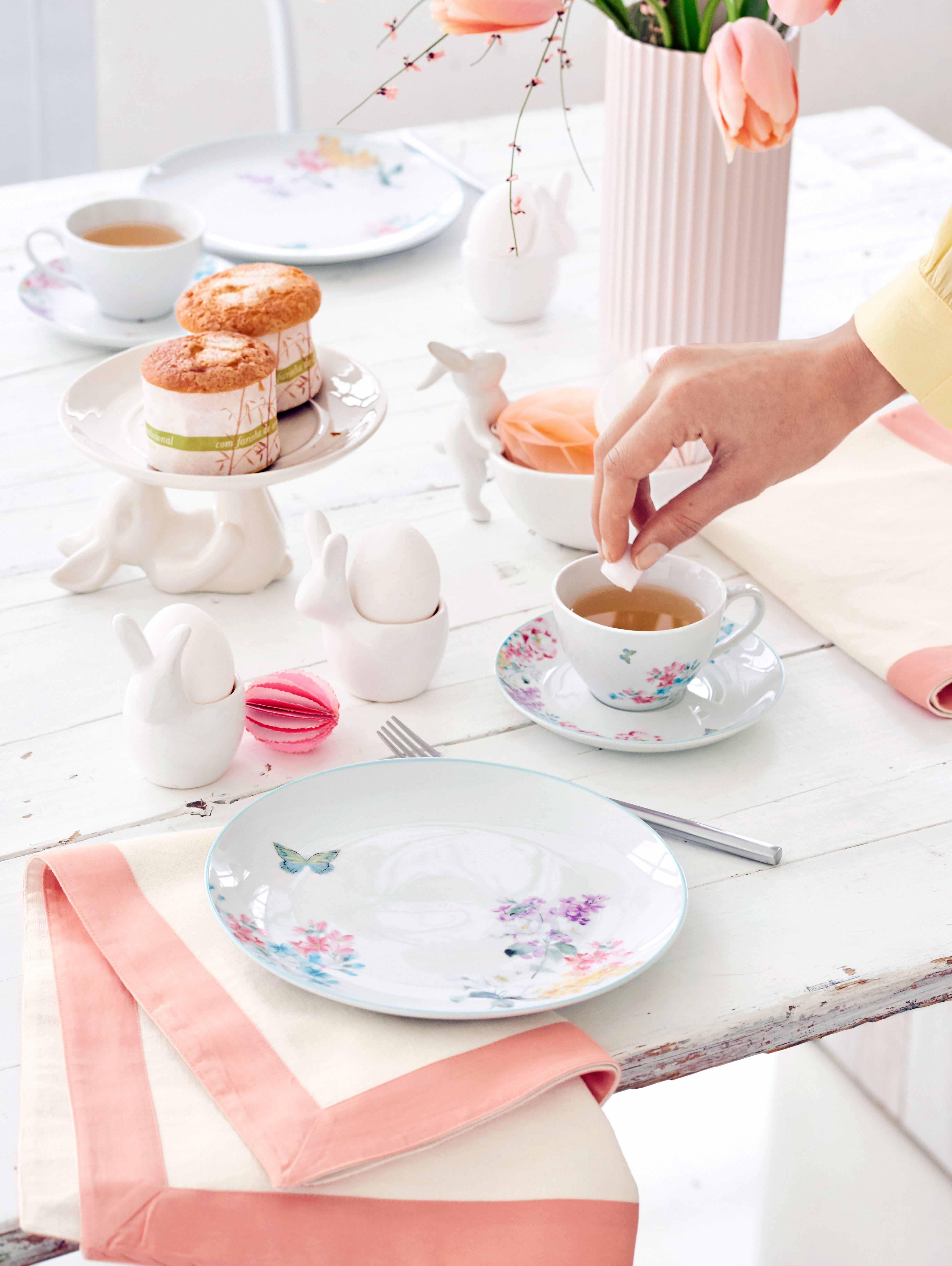 Schone Stoffservietten In Fruhligshaften Farben Geschirr Kuche