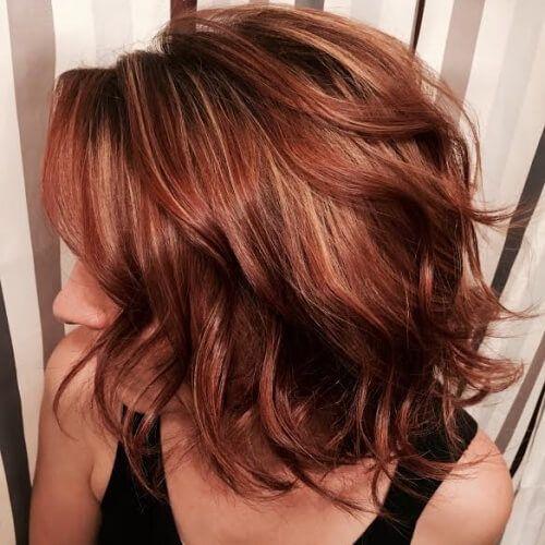 Wispy Caramel Highlights On Red Brown Hair Hair Styles Hair Color Auburn Short Hair Styles