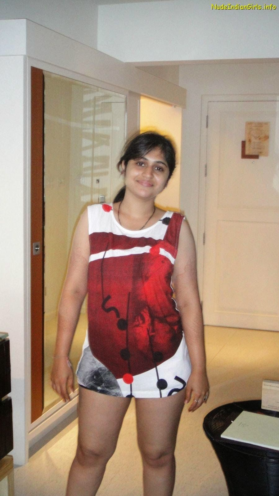 Hot Indian Teen Girls Nude Thighs