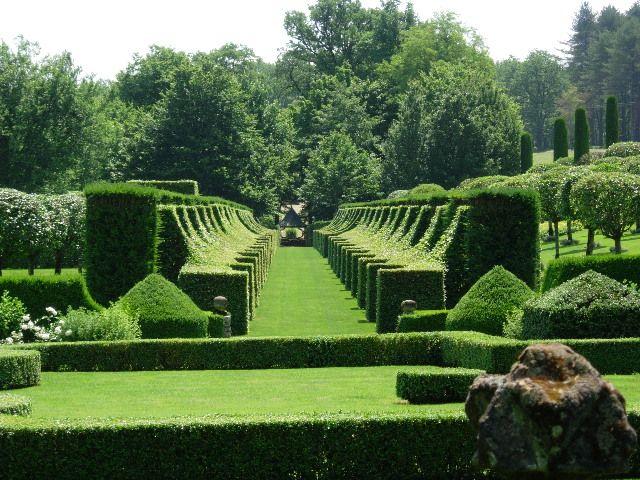 Sculptured gardens of Manoir D'Eyrignac