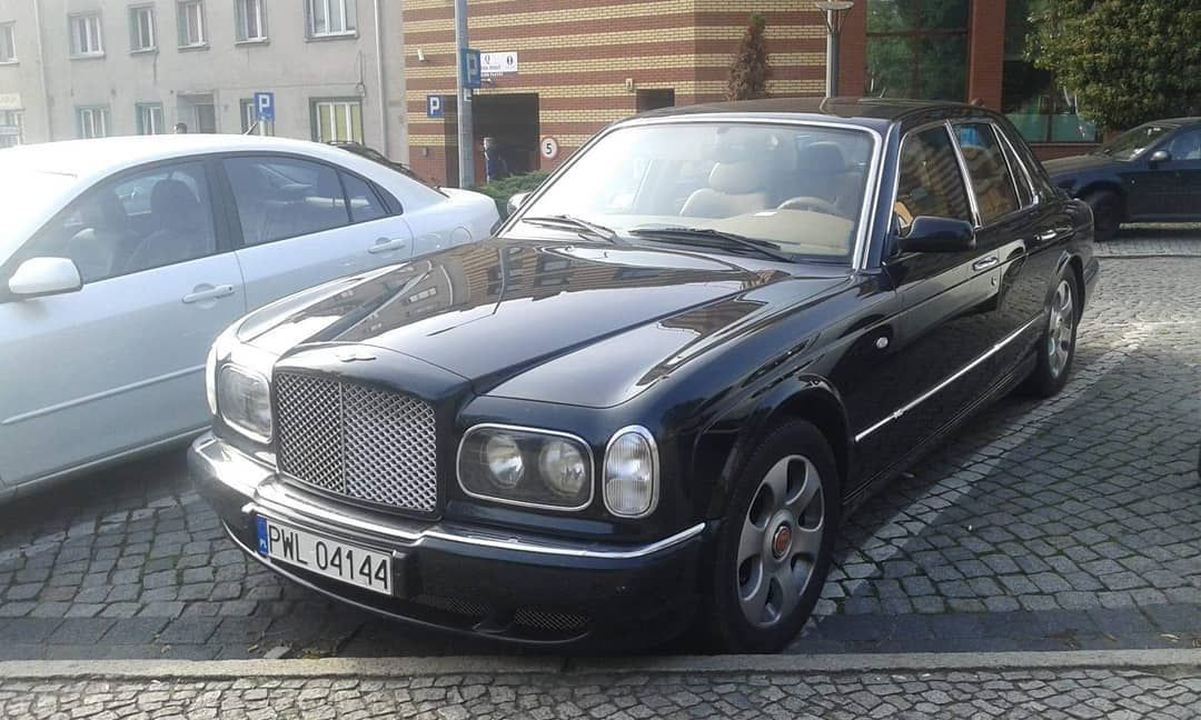 Bentley Arnage T . . .
