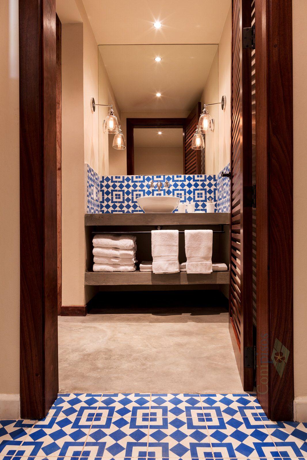 Meson Nadi, acabado arquitectonico en un cuarto de baño ...