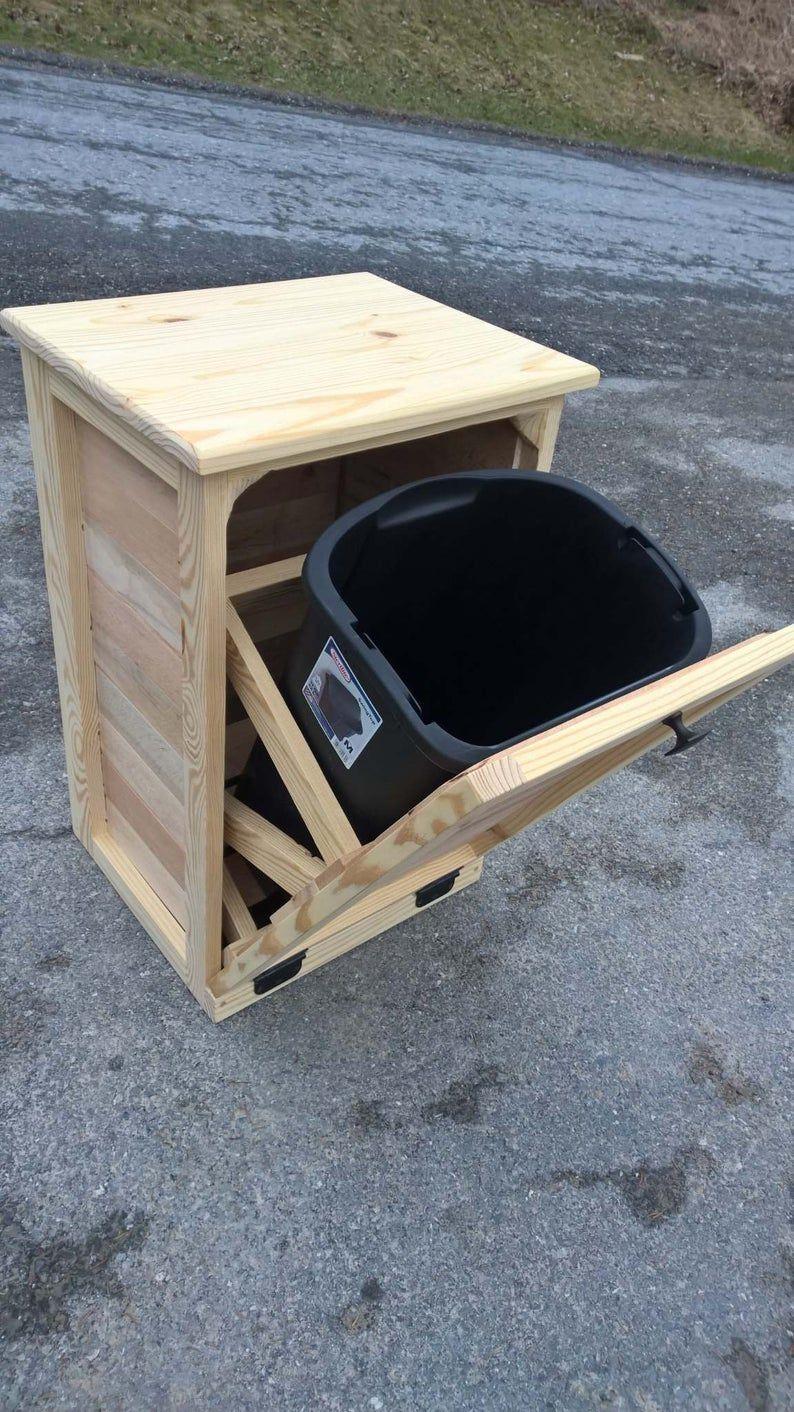 Inclinaison à la poubelle, mobilier en bois, le bois de palette, bois rustique poubelle