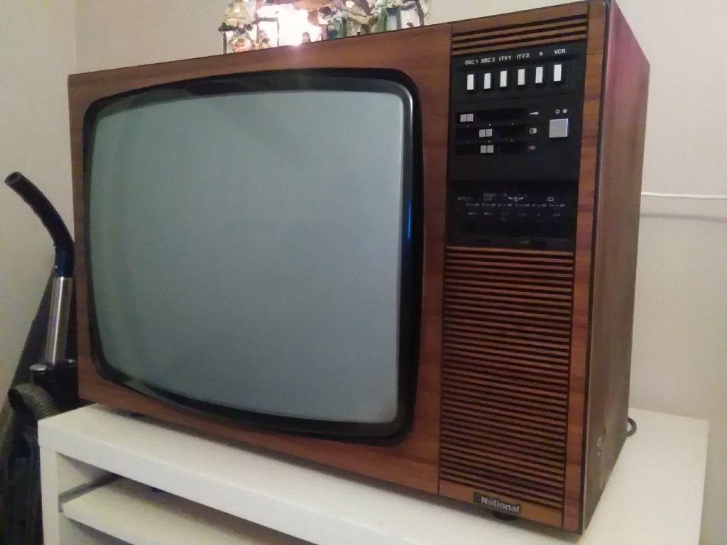 Wood Tv 1970 S Tvs Vintage Tv Television Set