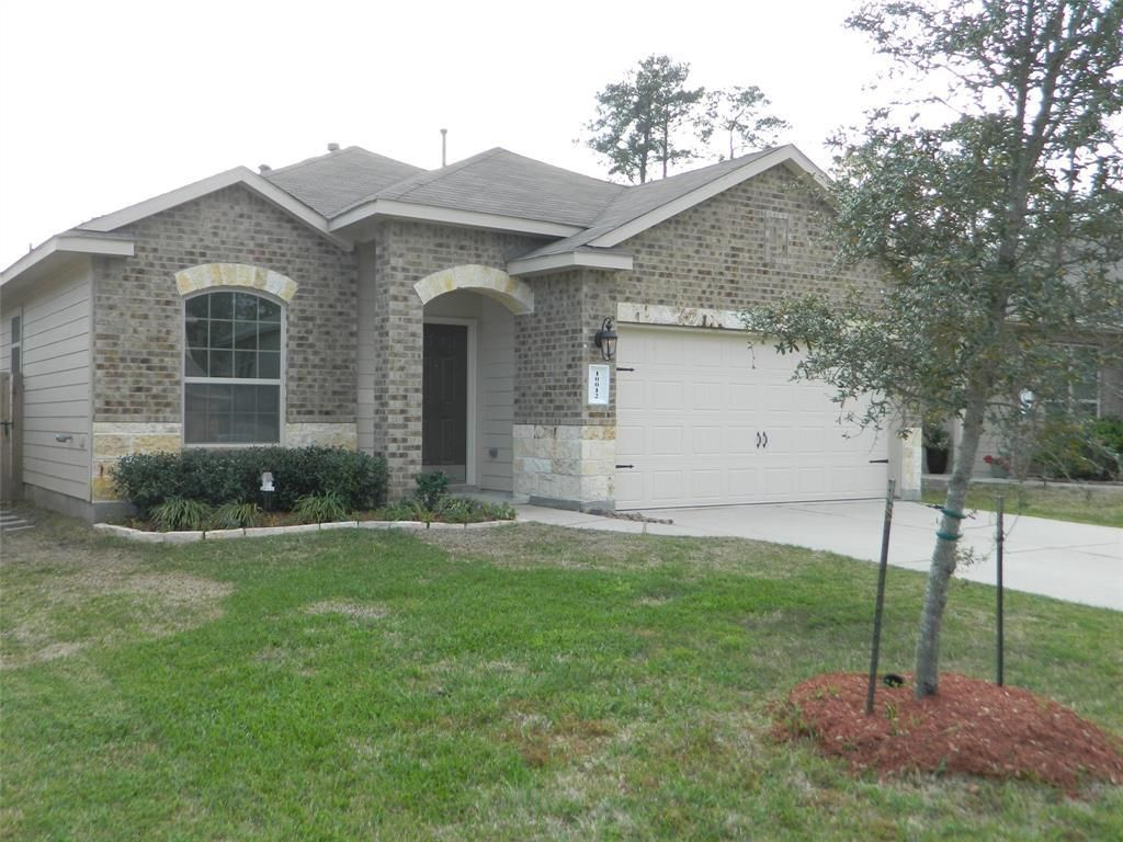 Beautiful Clean Home W Open Floor Plan Greenbelt Behind Excellent School District Quiet Neighborhoo First Time Home Buyers Real Estate One Real Estate