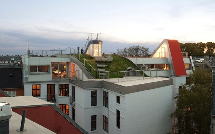 Terrifyingly Cool Rooftop Playground Pent House Architecture Green Roof