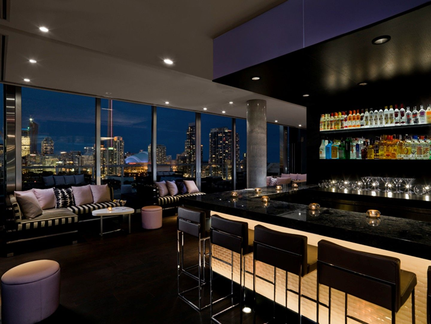 Thompson Toronto S Rooftop Bar And Lounge Offers Views Of