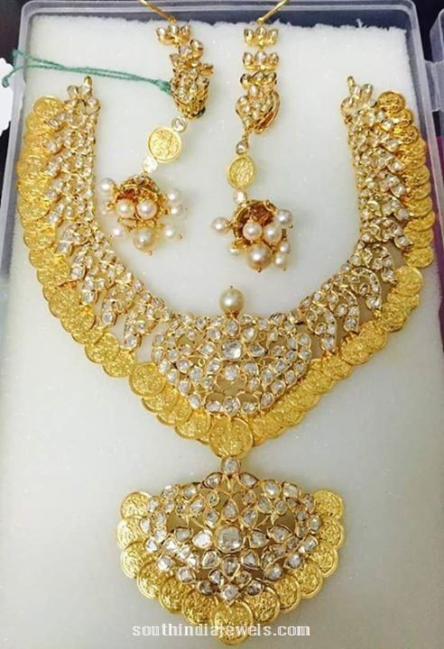 22 Carat Gold Kasumalai with Jhumka