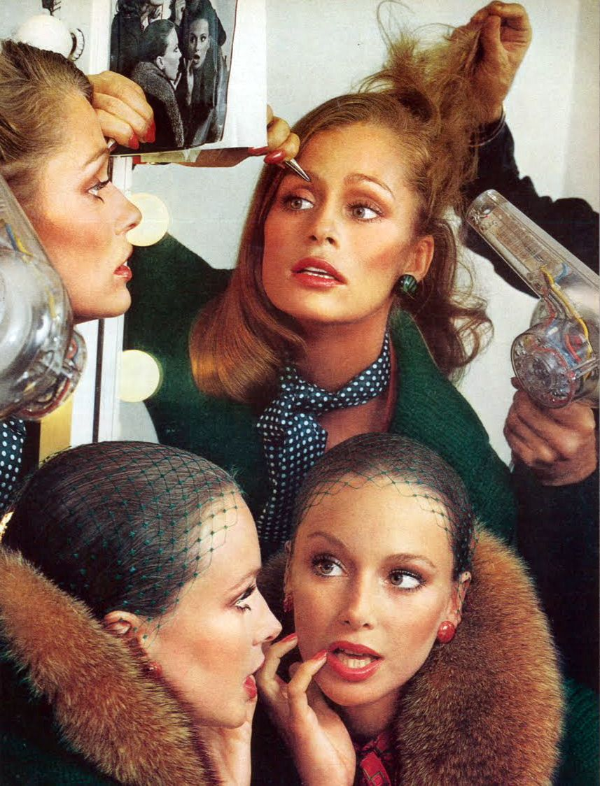 Lauren Hutton and Karen Graham, photographed by Avedon. Vogue US 1973