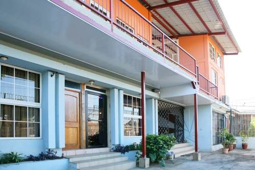 Hotel Valerie Managua Situated in Managua, 42 km from Granada, Hotel Valerie boasts air-conditioned rooms with free WiFi. Free private parking is available on site.  Some rooms have a seating area to relax in after a busy day.
