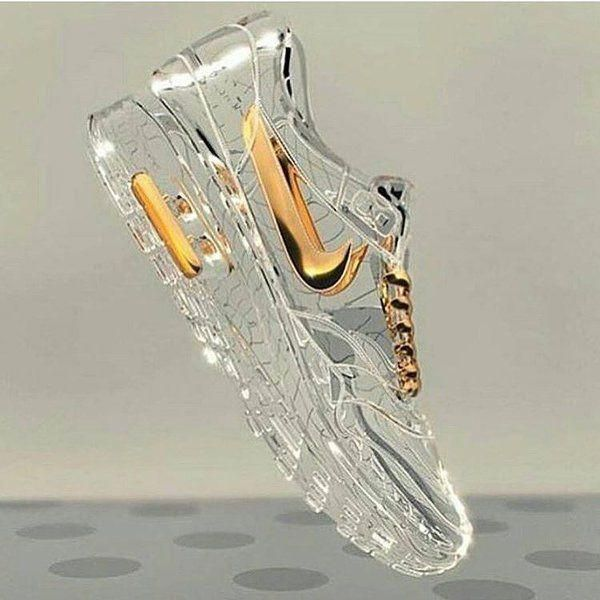 If cinderella was from da hood, she'd wear glass nikes XD