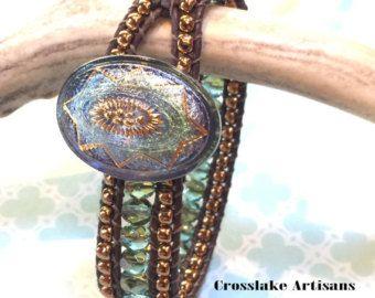 Braccialetto di cinque-wrap pirite con pirite goccia pendenti