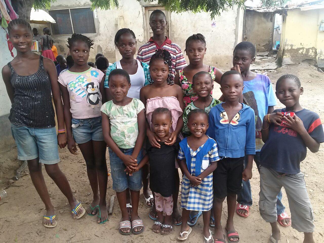 wir brauchen weihnachtsessen f r unsere kinder in afrika nur 1 50euro pro kind zu weihnachten. Black Bedroom Furniture Sets. Home Design Ideas