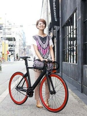 Japanese fixie culture + Japanese girls = win