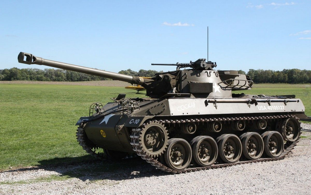 Sell your kindey buy this wwii m 18 hellcat tank destroyer now for only armored vehiclesa tankmilitary