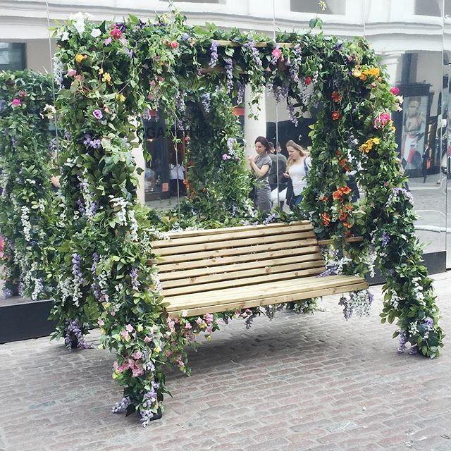 Flowers Swing Cgafterhours Coventgarden London