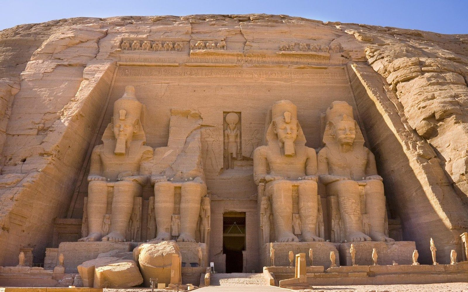 Ancient Egyptian Architecture Sculptures Of Ramesses Ii At Abu Simbel The Way Of The