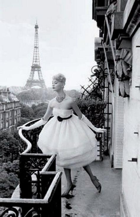 Model In Paris 1958 Photo By Christian Lemaire Vintage Vintagefashion Paris Vintageparis Blackandwhite Vintage Paris Vintage Glam Vintage Fashion