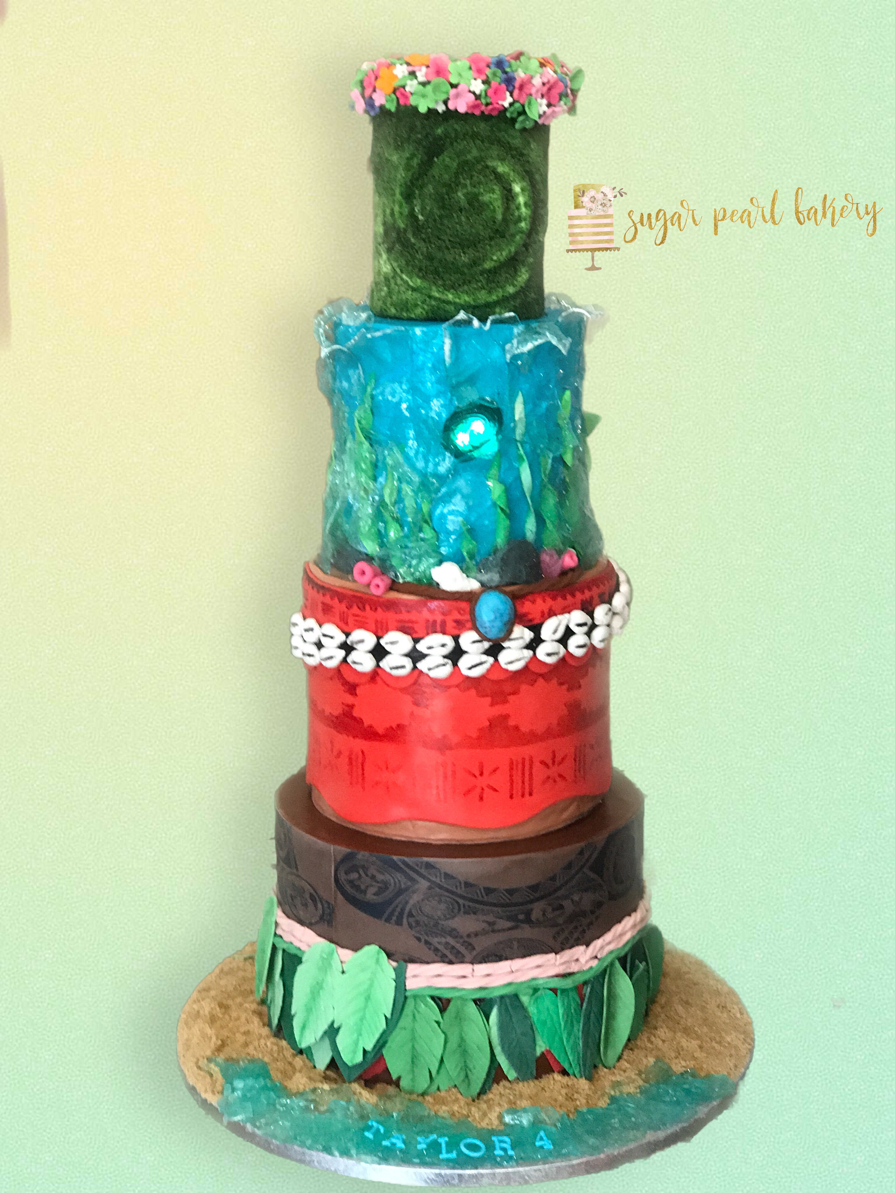Moana birthday cake , Maui cake, sugar glass, tattoos, glowing ...
