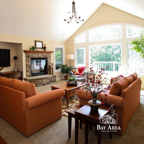 New Construction: Spacious Crafts-Style Walkout