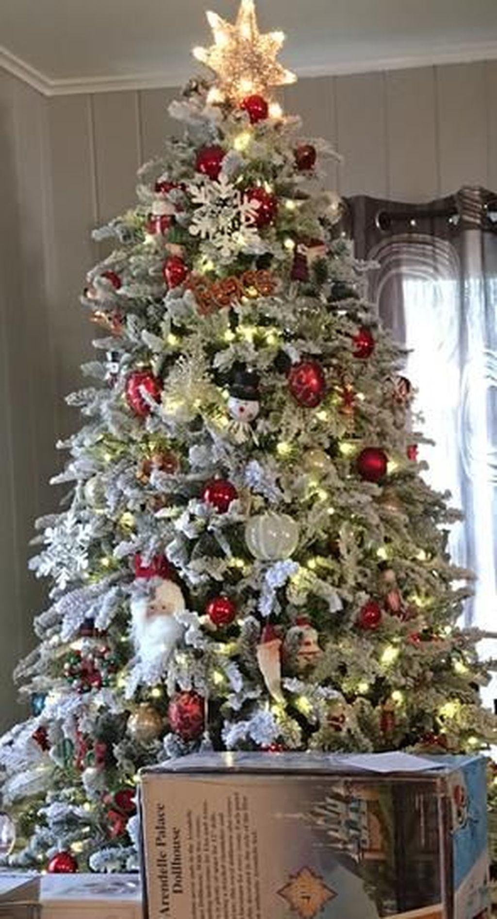 42 Amazing Christmas Lights Tree Decoration Ideas Pimphomee Christmas Tree Inspiration Flocked Christmas Trees Decorated Cool Christmas Trees