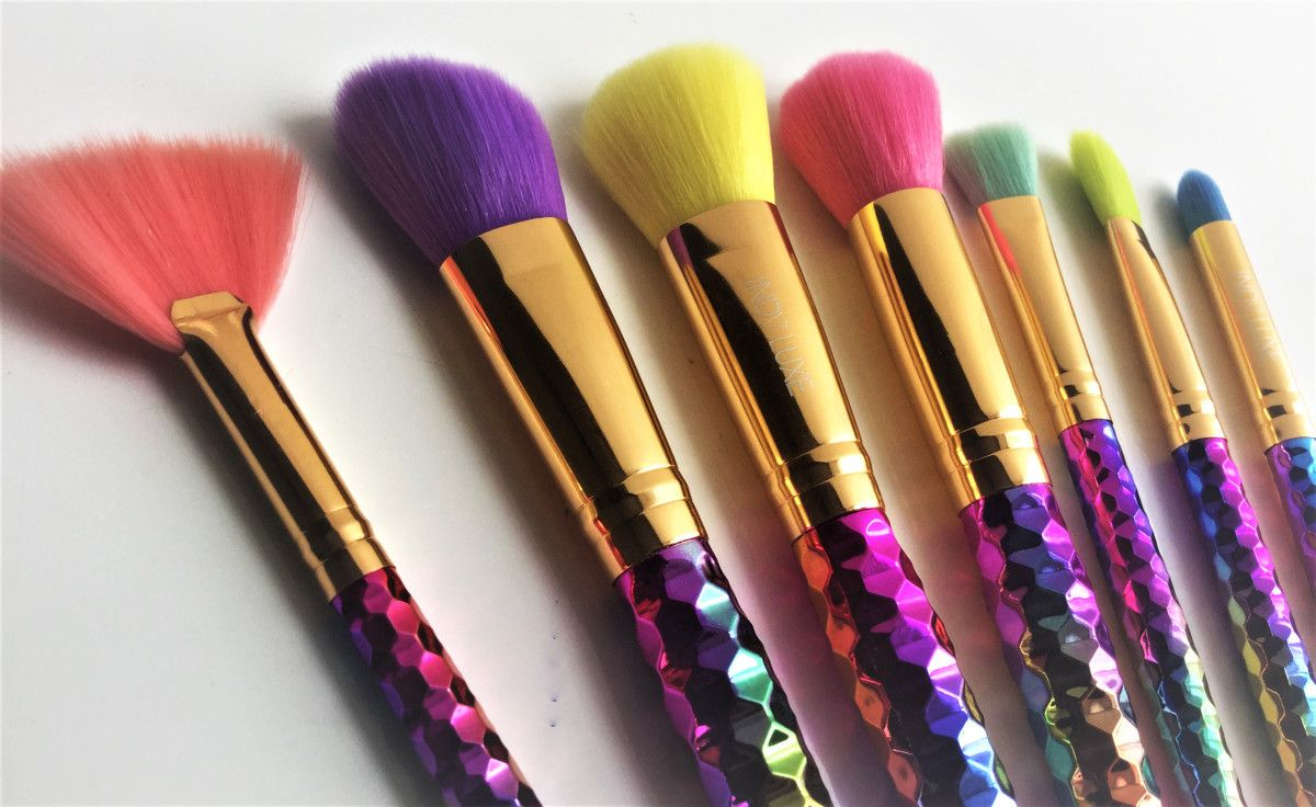 Indy Luxe Rainbow 7pcs Make Up Brush Set Review Makeup