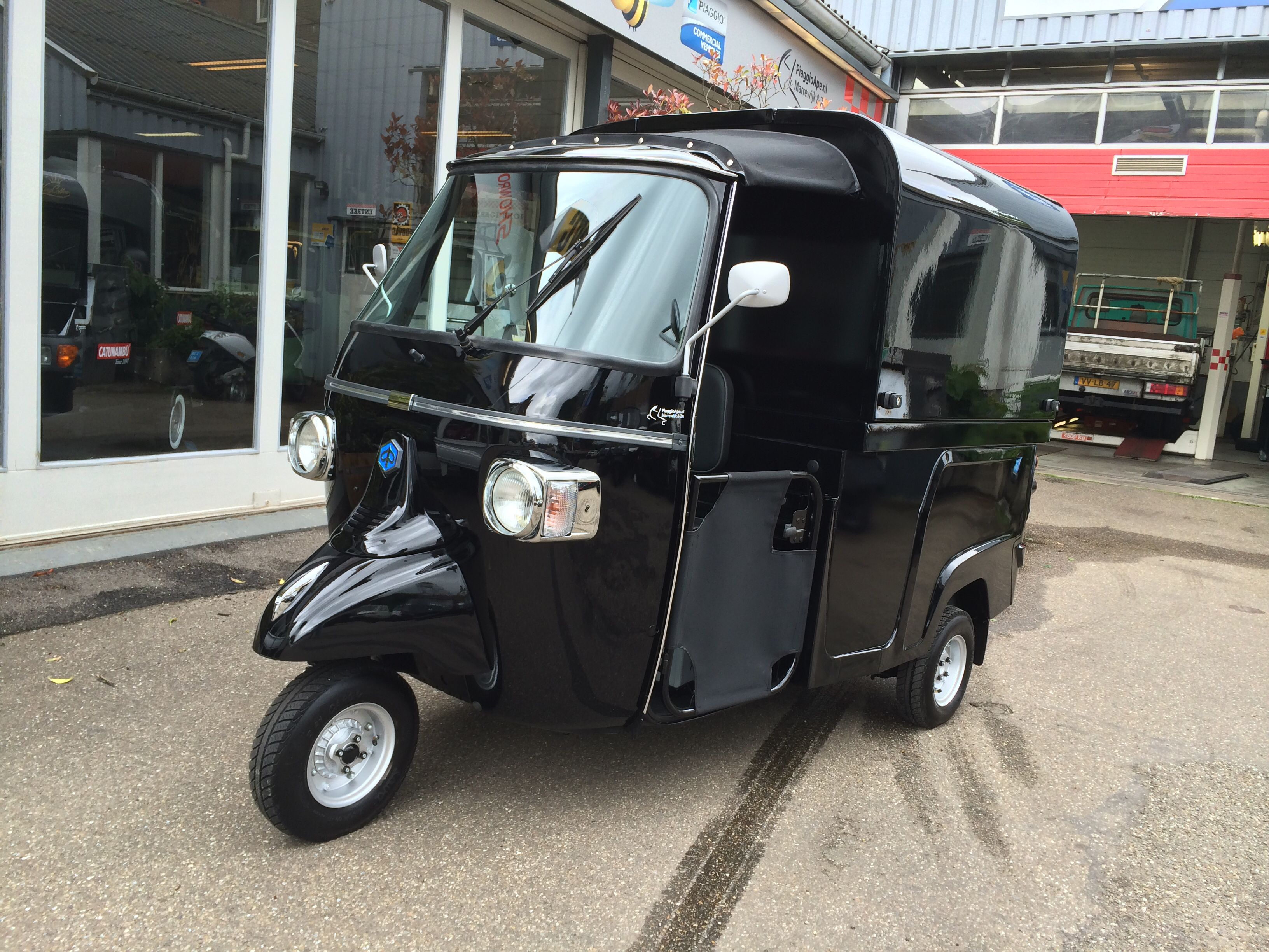 piaggio ape calessino 200 fly piaggio ape with salesunit. Black Bedroom Furniture Sets. Home Design Ideas