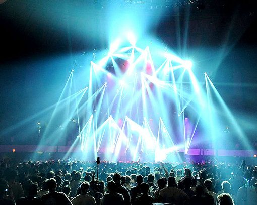Concert Chris Kuroda (Phishu0027s lighting engineer) has provided the on-stage scenery for countless Phish sows. & design and perform a show #Stage #Concert Chris Kuroda (Phishu0027s ...