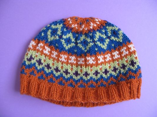 Knitting a Fair Isle Hat - One day I'll give it a try. Never ...