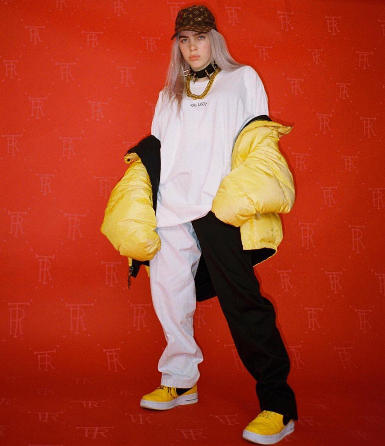Omg Lmfaooooo Yall Really Snapping Billie Oversized White T