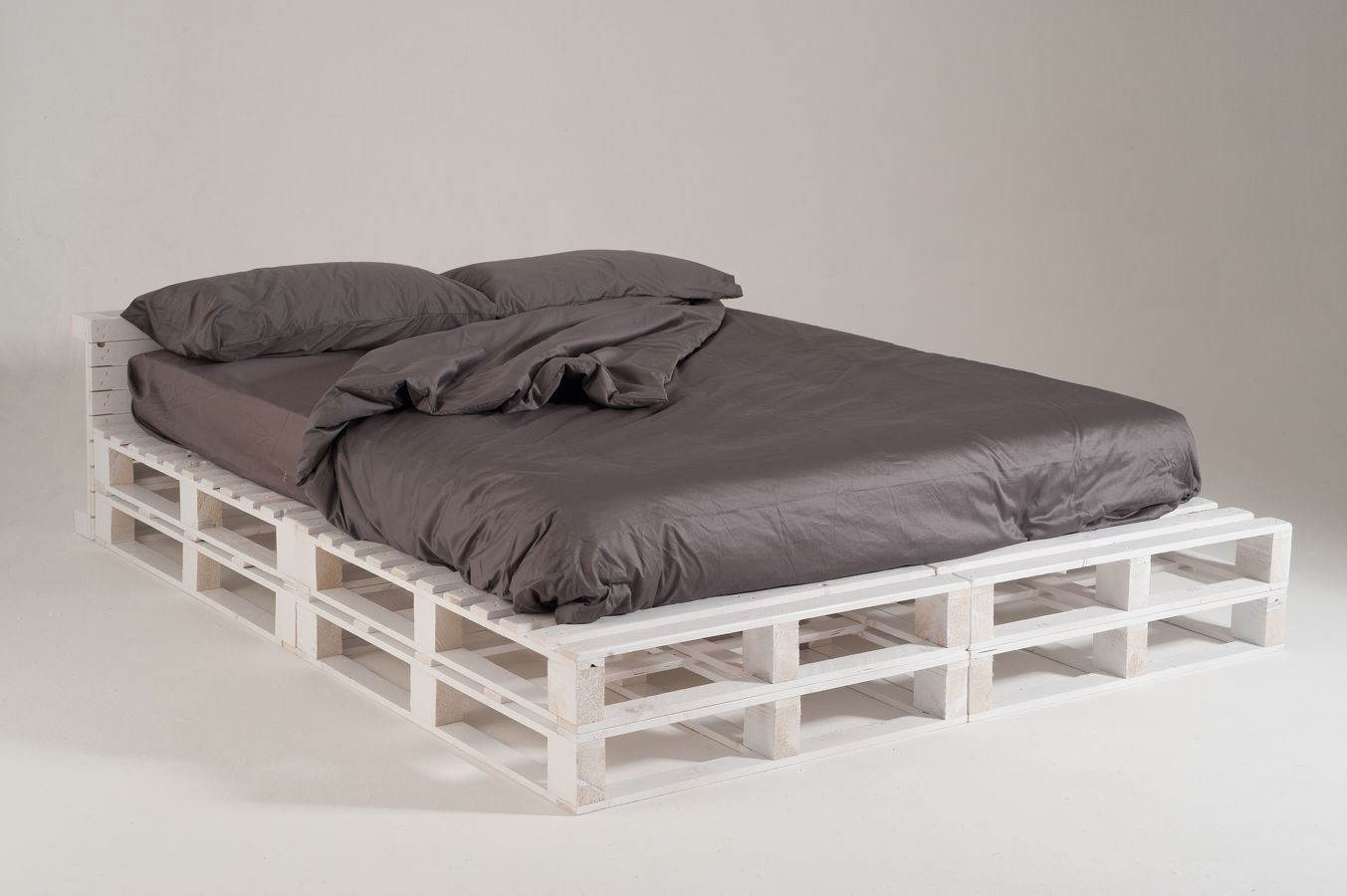 Letto futon con pallet futon bed made with pallet foto - Letto in pallet ...