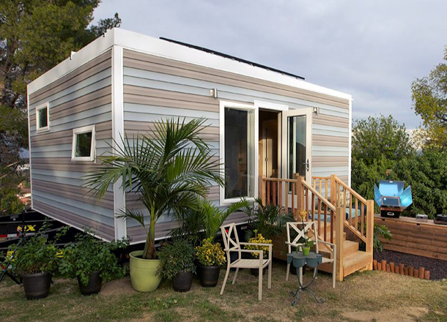Photos and information about the homes featured on Tiny House Nation!