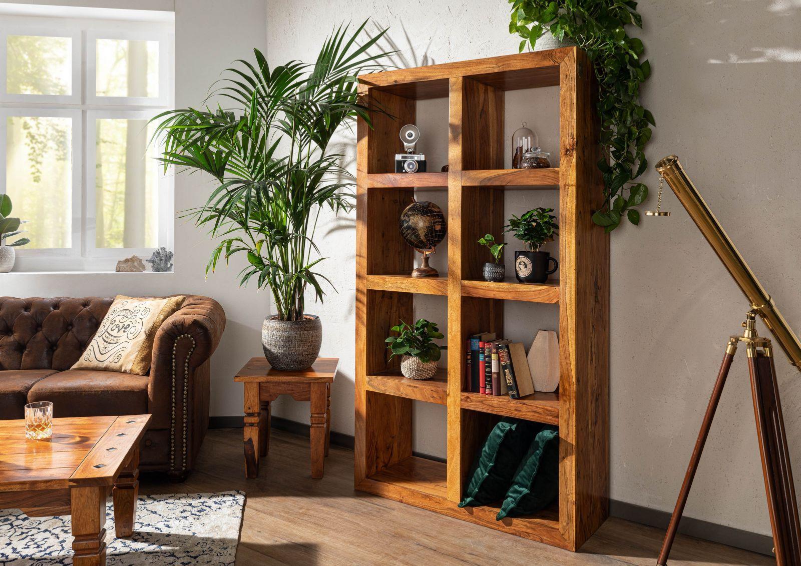 Das Wohnzimmer Im Stil Vergangener Zeiten Kolonial Mobel Bieten