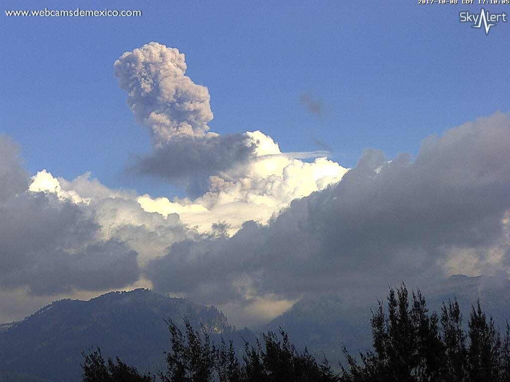 @Popocatepetl_MX Explosion - 5:07 p.m. and 5:12 p.m. Dispersion of ash to Puebla / Tlaxcala.