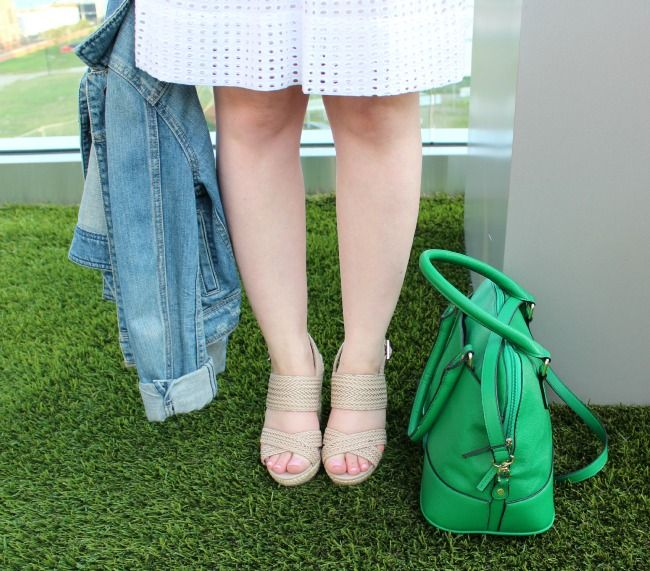 madewell eyelet dress, madewell dress, jean jacket, american eagle outfitters jacket, green purse, sole society wedge